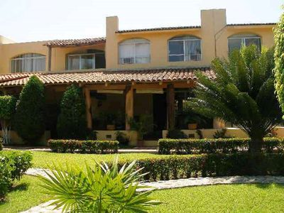 Photo for Beautiful villa with excellent location in complex with 2 pools