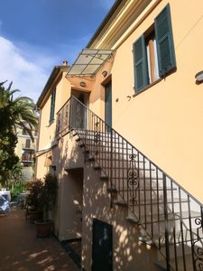Photo for Apartment fully furnished, large terrace, a few steps from the sea, parking