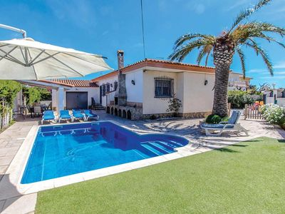 Photo for 5 bedroom Villa, sleeps 8 with Pool, FREE WiFi and Walk to Shops