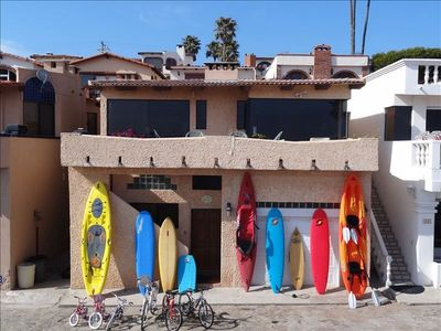 Endless Summer Villa with kayaks, surfboards, SUPs, boogie boards