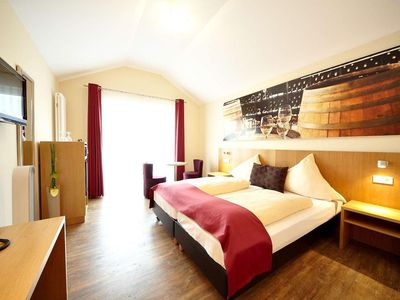 """Photo for Double room """"Comfort"""" - Christiana's Wein & Art Hotel"""