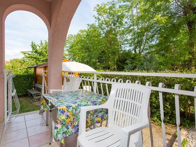 Photo for Nice apartment with garden for up to 4 people near the beach