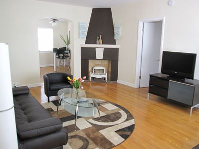 Living Room w/ Flat Screen Cable TV