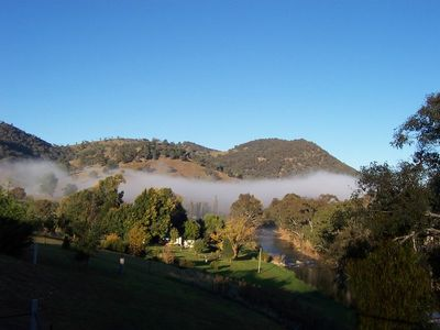 Photo for Rivers Edge Pet Friendly Cottage Tumut