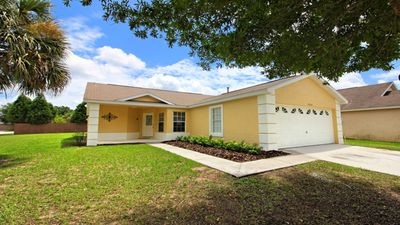 Photo for Budget Getaway - Indian Creek - Beautiful Contemporary 3 Beds 2 Baths Villa - 3 Miles To Disney