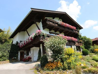 Photo for Cozy holiday home only 850 meters from the ski lift