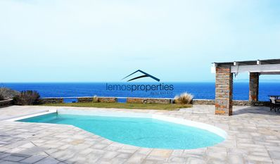 Photo for Waterfront villa with a swimming pool and a stunning sea view in Melissaki, Kea