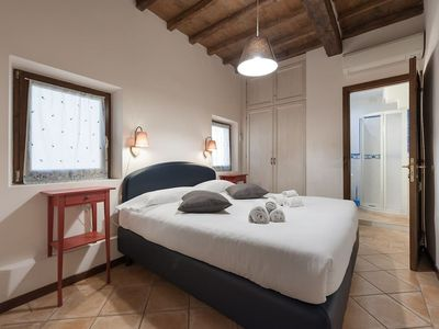 Photo for Mercato Centrale Large Apartment in the Heart of Florence!