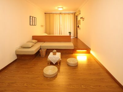 {Alive} 2 Double Bed Tatami with Projector