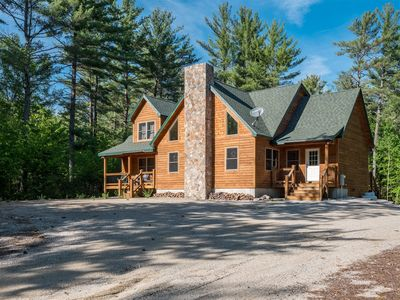 Luxury Newly Constructed Ski Chalet Close to Sunday River and Bethel