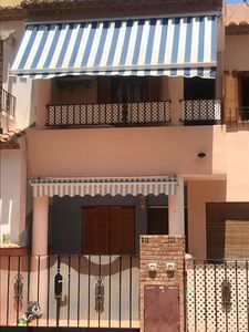 Photo for Spacious Holiday Apartment - Centrally Situated