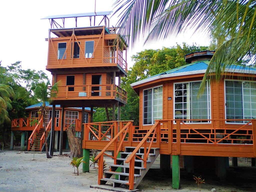 Utila Cottage Al The Treehouse Is Almost Finished As An Option