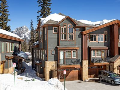 Photo for Professionally Decorated Luxury Townhome - Views - Ski in/Out - End Unit