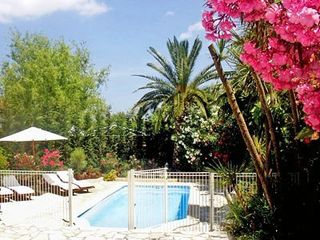 St tropez cogolin family house avec piscine priv e avec for Securite piscine privee