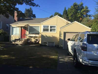 Sunny, Family Friendly Home In Ballard With Private Backyard And Next To Park