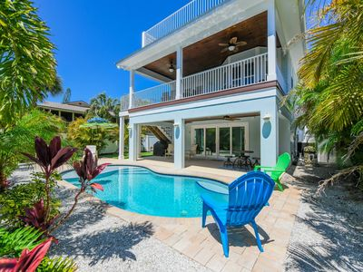 Lovely Island Home w/Pool, Sunset Views, Ping Pong, 5 Min Walk to Beach