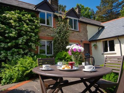 Photo for 2-bedroom, sleeps 4, pet friendly cottage close to the coast with onsite leisure facilities