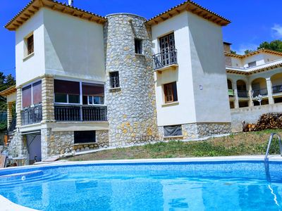 Photo for Beautiful Villa with barbecue and private pool near the beach
