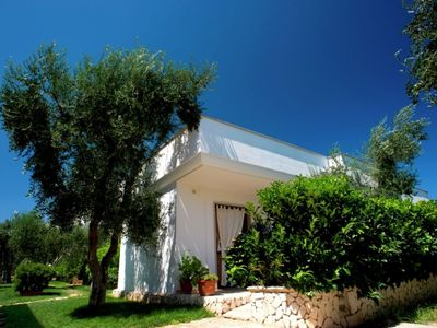 Photo for Bungalows with pool and tennis court near the sea and in National Park
