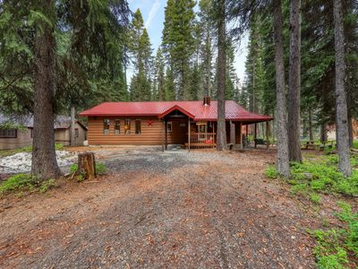 Photo for Cozy cabin one block to Payette Lake