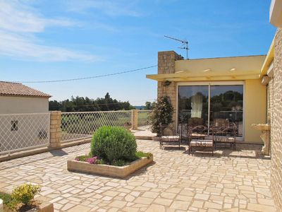 Photo for 3 bedroom Villa, sleeps 6 in Saint-Cannat with Pool, Air Con and WiFi