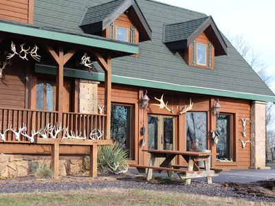 Photo for Rustic Log-Cabin Lodge