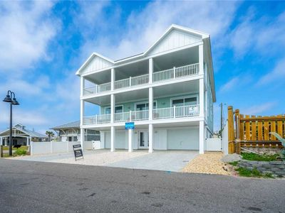 Photo for A Pier View: 8 BR / 6.5 BA single family home in Kure Beach, Sleeps 18