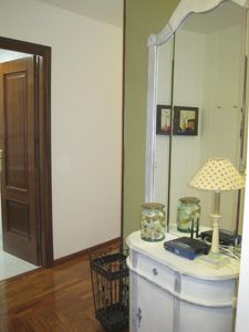 Photo for Modern and bright, 2 bedrooms, amenities. Pontevedra city