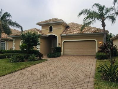 Photo for Lovely single family home with a private heated spa in Lely Resort.