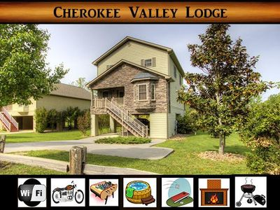 Photo for Cherokee Valley Lodge} 5 minutes to Pigeon Forge \ Motorcycle Friendly \ Wifi