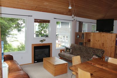 King Cabin living room with gas fireplace
