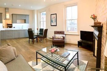 Photo for Newly Renovated 2 Bedroom Flat in Wimbledon Village