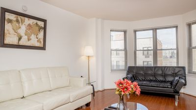 Photo for Contemporary One bedroom apartment in a great neighborhood.