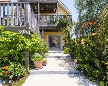 Photo for 1BR House Vacation Rental in Port Aransas, Texas
