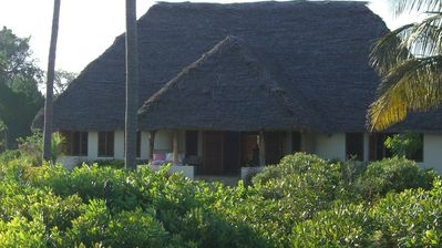 Beach Villa on a 2 acre private property facing the Indian Ocean, scenic bay