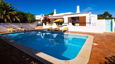 Photo for Lovely detached villa situated only a short walk from lively Carvoeiro.