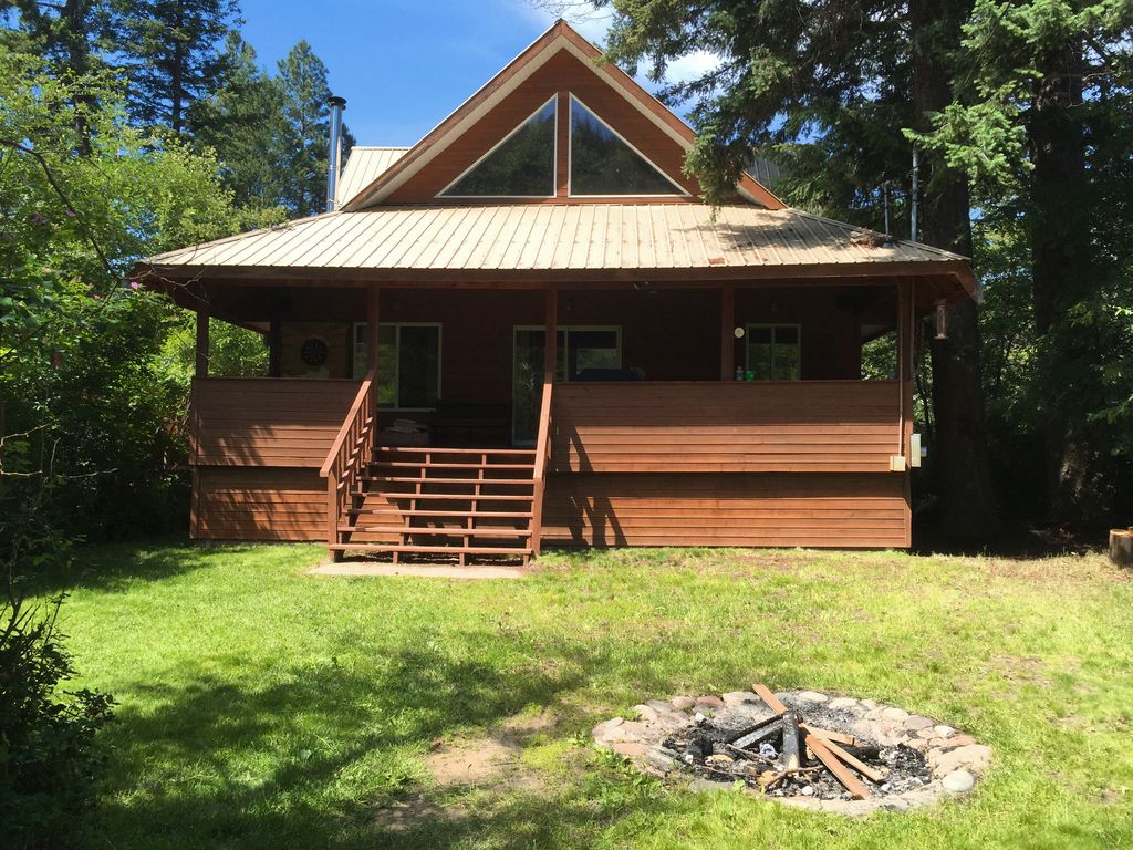 Tulameen vacation cabin okanagan valley british columbia for Getaway cottage