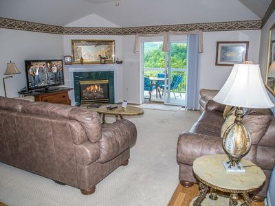 Photo for Unbeatable MTN View! King Beds, Jacuzzi, Full Kitchen, Indoor Pool, 4 BR