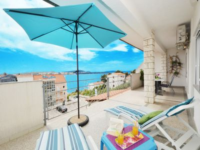 Photo for Holiday apartment Seget Donji for 1 - 4 persons with 2 bedrooms - Holiday apartment