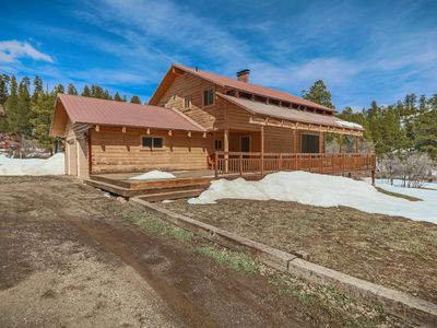 Photo for Rustic Cabin Located Near Wolf Creek!