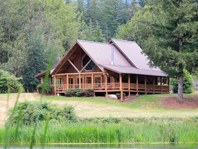 Photo for Cabin on Private Boone's Lake