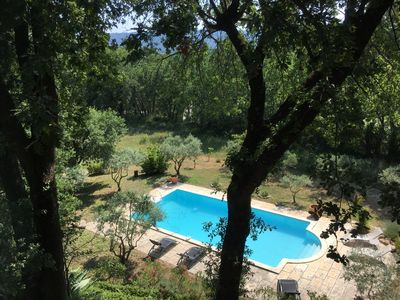 Photo for Provencal villa in a quiet location between Lourmarin and Cadenet with large private pool