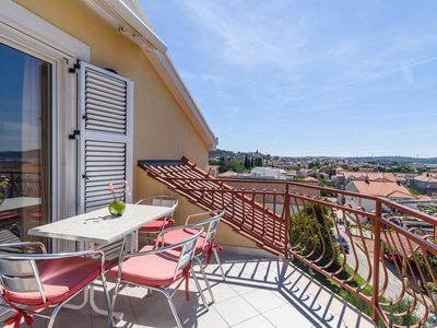 Photo for One bedroom apartment with terrace and sea view Trogir (A-16509-d)