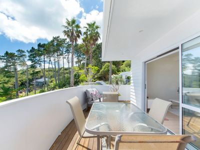Photo for Conveniently located within a short stroll to the pristine sands of Palm Beach.