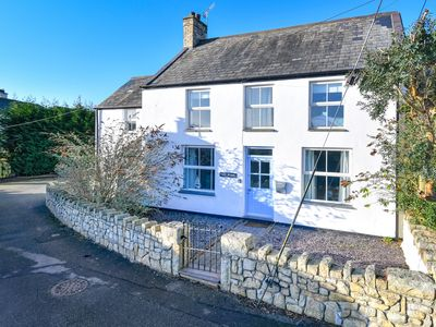 Photo for Drws y Nant is a pretty cottage with enclosed rear patio and lawn which has been sympathetcally reno