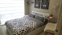 COMFORTABLE, CLEAN AND QUIET CLOSE TO LIVERPOOL CBD