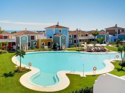 Photo for Apartments Cortijo del Mar Resort, Estepona  in Um Málaga - 4 persons, 2 bedrooms