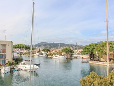 Photo for 1 Bedroom flat with mooring and view on the channe