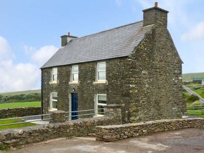 Photo for STONE COTTAGE, family friendly in Ballydavid, County Kerry, Ref 17689