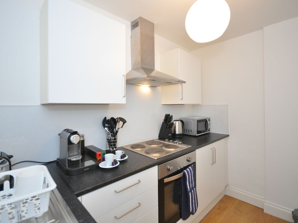 Elderpark Apartment 2 - Excellent Location for Glasgow City Centre